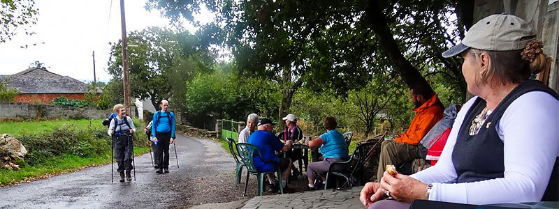 lunch break with friends on the camino