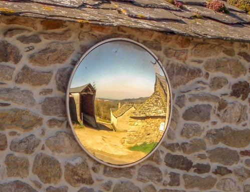 reflective mirror of Camino Primitivo 2