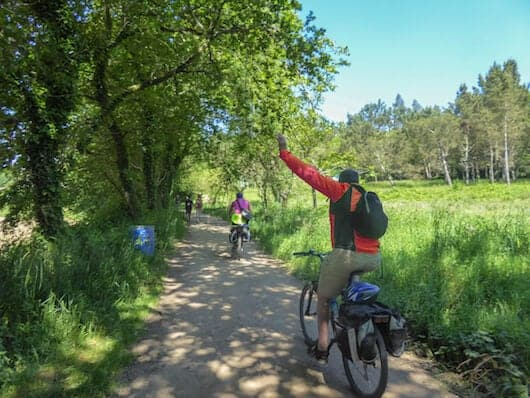 camino cyclists on the trail
