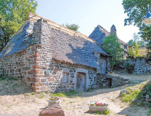Via Podiensis 1 - stone building