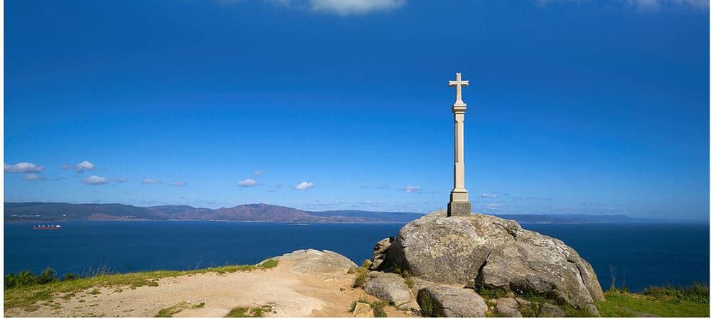 Camino Finisterre landmark - cross