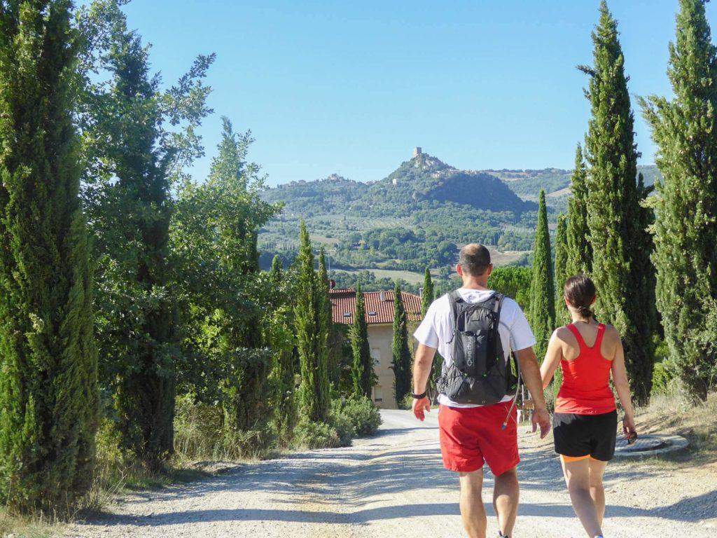 Via Francigena - couple walking
