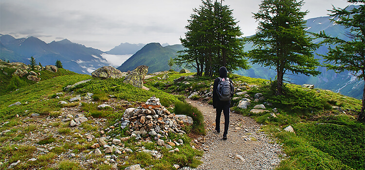 travelling solo on the Camino