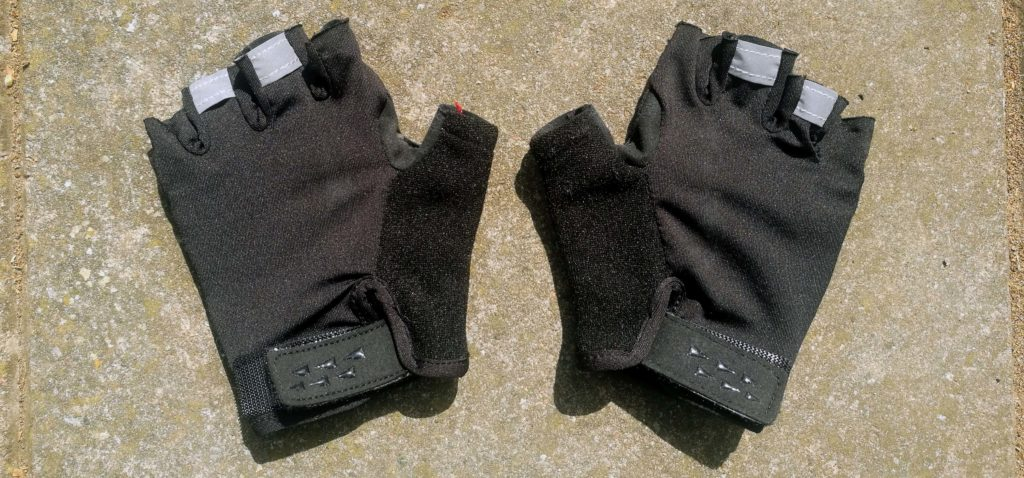 we recomend you pack gloves when cycling the camino