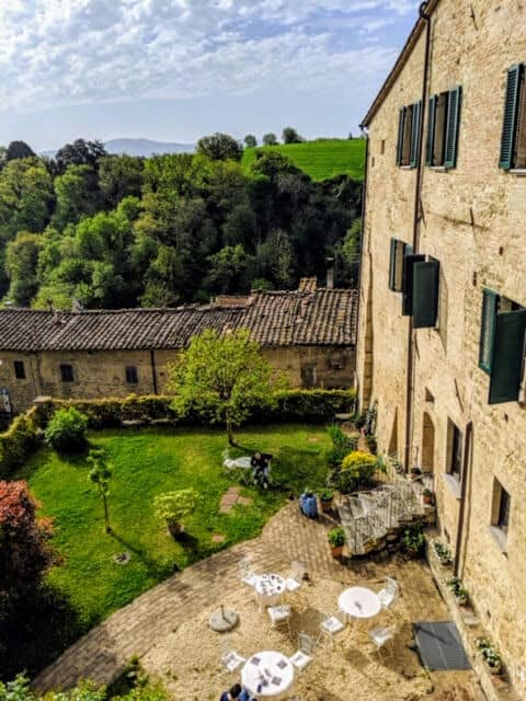 accomodation in a guesthouse on the Via Francigena