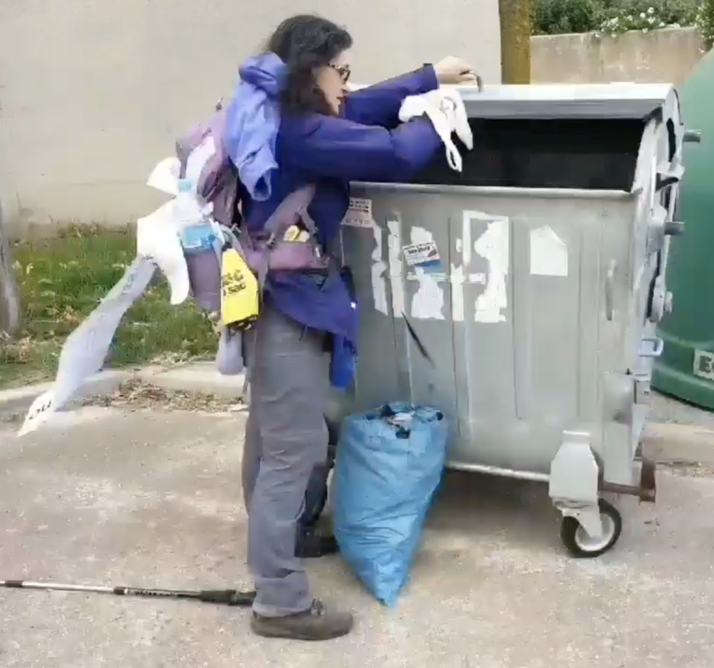 throwing away plastic and waste on the #plasticfreecamino