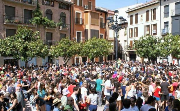 villagers dancing las vueltas in Najera on the Camino